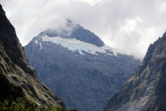 weltreize.com-neuseeland-berggipfel-homertunnel
