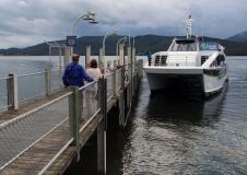 weltreize.com-neuseeland-lake-te-anau-schiff