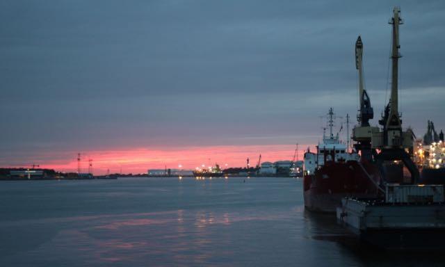 Litauen-Klaipeda-Hafen-Sonnenuntergang-Teilzeitreisender - 1