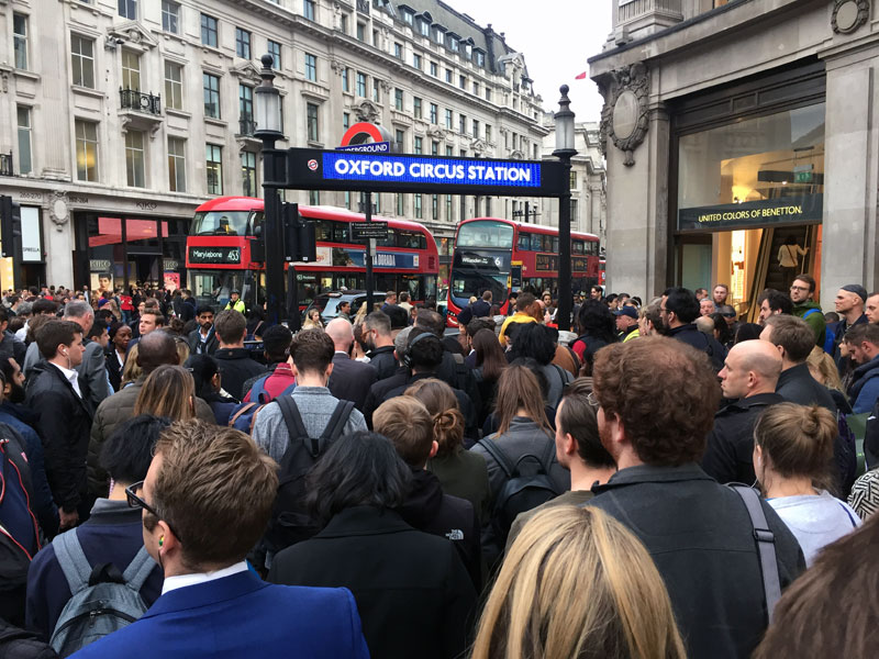 London-Oxford-Street-Rush-Hour-weltreize