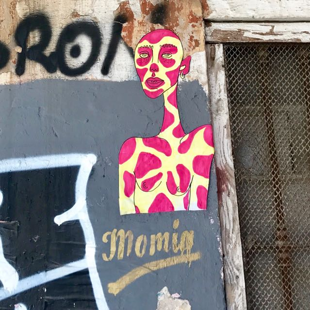 Valencia-Streetart-Paste-up-Momia - 1