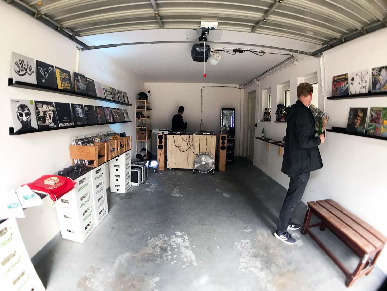 Musikstudio in einer Garage beim Metropolink Festival, Patrick-Henry-Village, Heidelberg