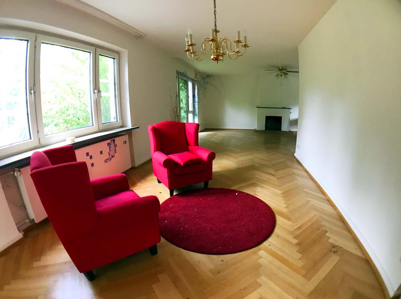 Offiziersvilla von innen, mit Pop-up-Wohnzimmer
