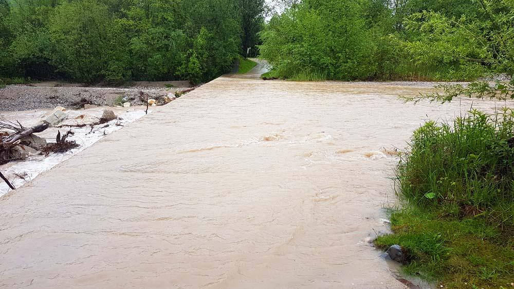 Drauradweg bei Ferlach ueberflutet