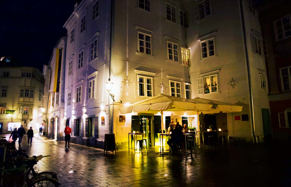 Restaurant Eckstein Graz bei Nacht