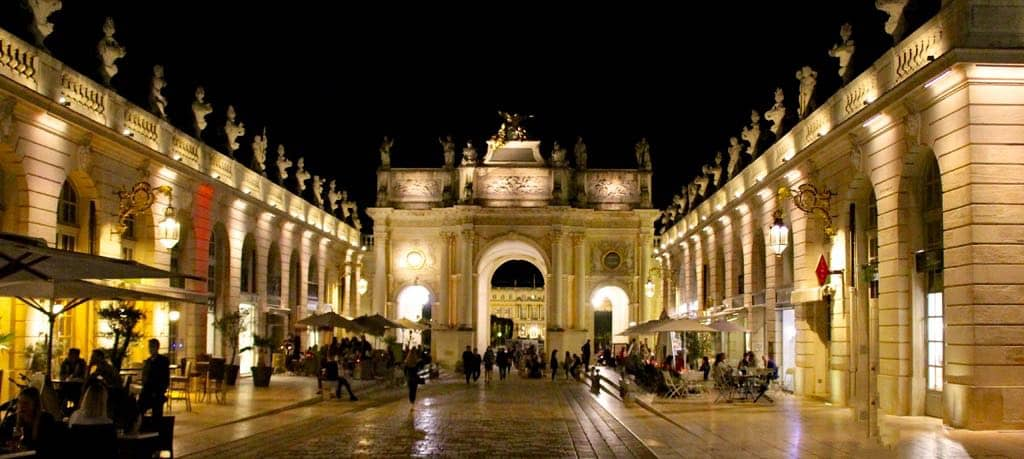 Arc Here vom Place Stanislas in Nancy